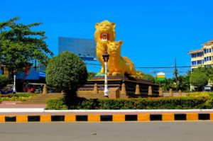 sihanoukville-tours-to-golden-lions-roundabout